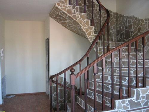 Лестница из бетона. Камень