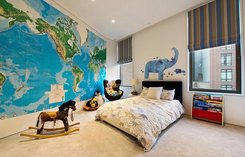 Оформление детской комнаты, карта мира