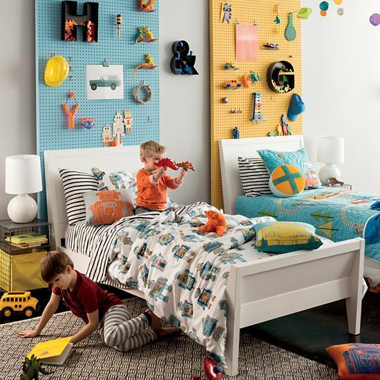 Оформление детской комнаты, перфорированная панель